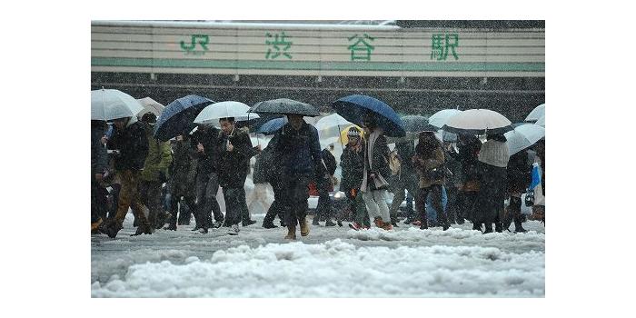 雪降る渋谷駅